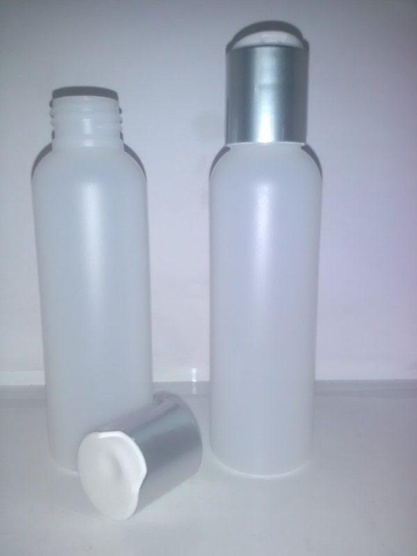 100 ml frosted plastflaske med sølvlåg.